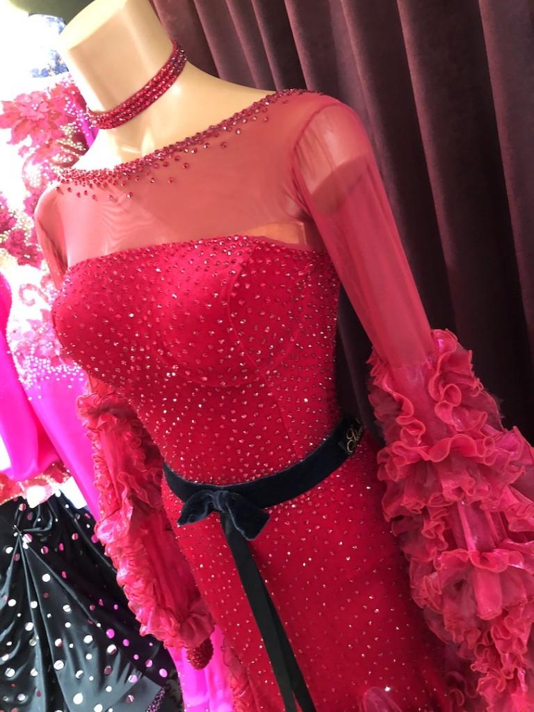 Silvia designエディタ着用ドレス到着しました!